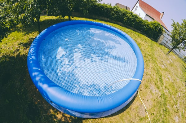 Comment installer une piscine gonflable dans son jardin ?