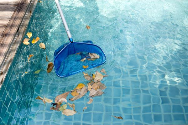 Entretenir une piscine extérieure enterrée