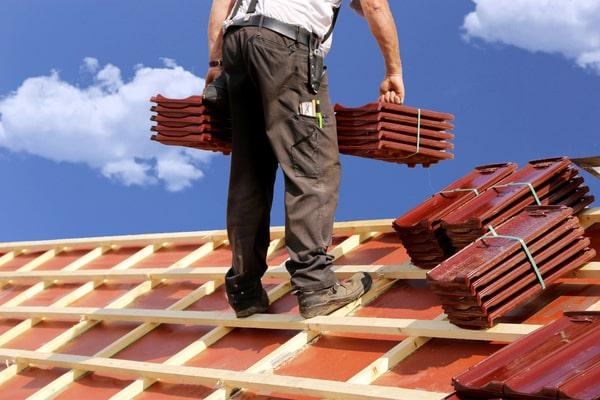 Qui contacter pour faire sa toiture ?